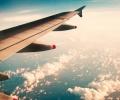 رحلة على الطائرة